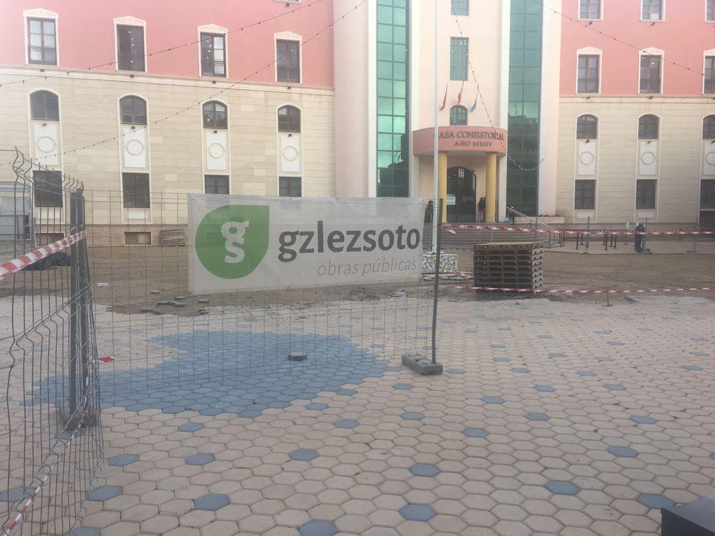 IMG-20210423-WA0002 GONZALEZ SOTO Avanza en la rehabilitación de la plaza del Ayuntamiento de los Alcázares