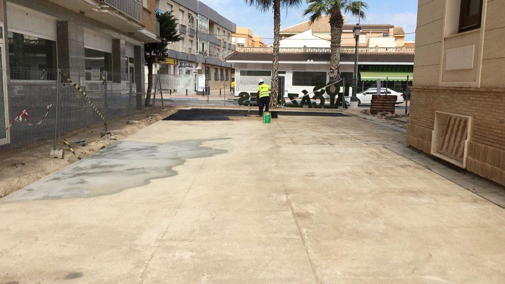 IMG-20210430-WA0000-1024x577 GONZALEZ SOTO Avanza en la rehabilitación de la plaza del Ayuntamiento de los Alcázares