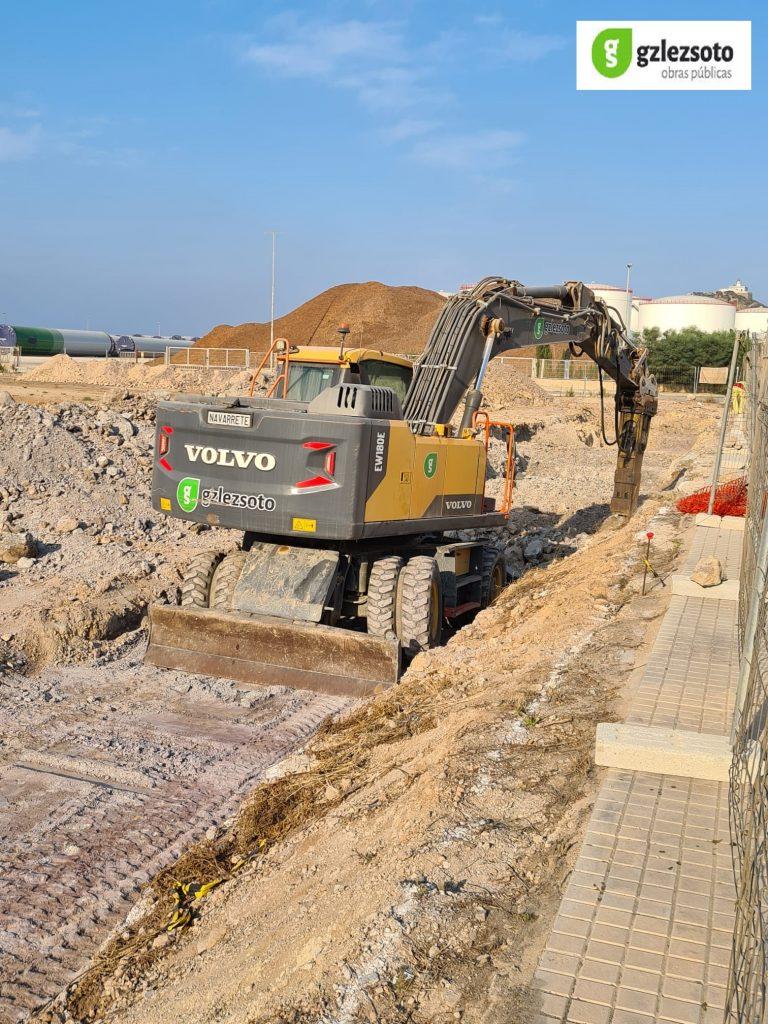 M_TIERRAS2-768x1024 GONZALEZ SOTO inicia los trabajos de movimiento de tierras para la nave de graneles sólidos