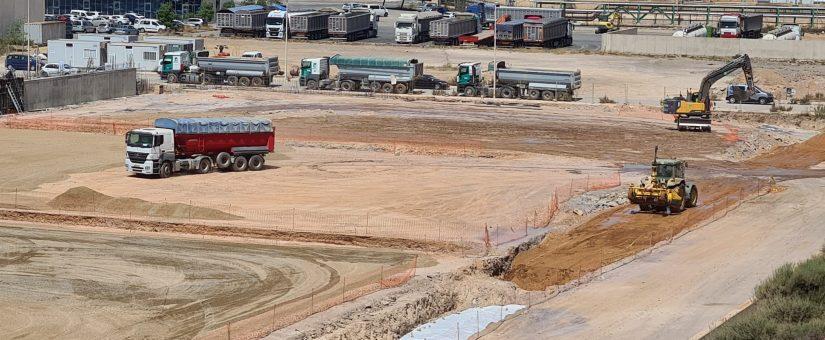 ZAPATAS2-825x340 GONZALEZ SOTO inicia los trabajos de movimiento de tierras para la nave de graneles sólidos